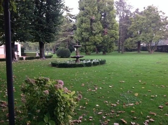 Villa Margherita Hotel: the front garden