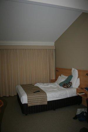Airport International Motel Brisbane : comfortable bed