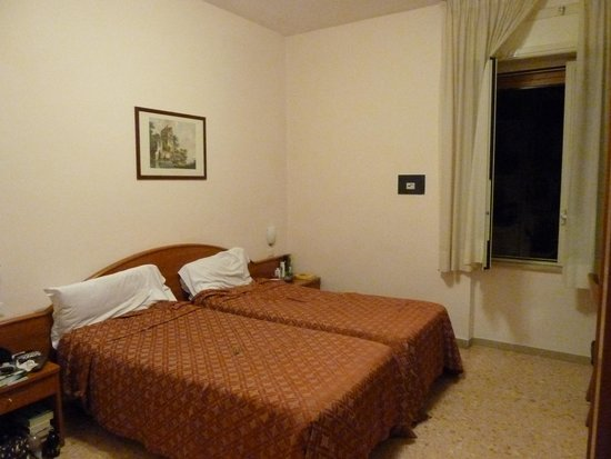 Hotel La Meridiana: Our room
