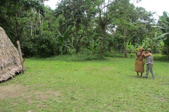 Amazon Eco Tours & Lodge: De visita a la comunidad de los Yaguas.