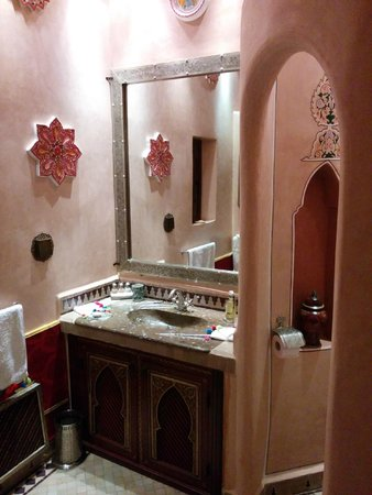 Riad Hikaya : Bathroom huge mirro