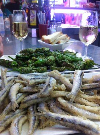 Bar Cafeteria El Yerno: Boquerones et pimientos à El Yerno