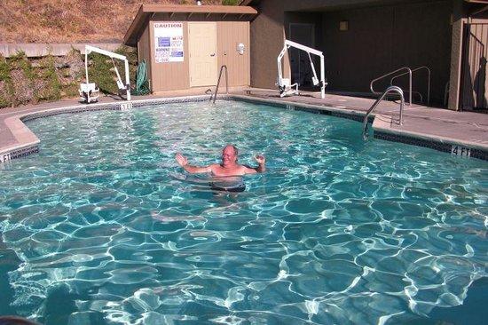 Best Western Willits Inn: la piscine equipée pour handicapés
