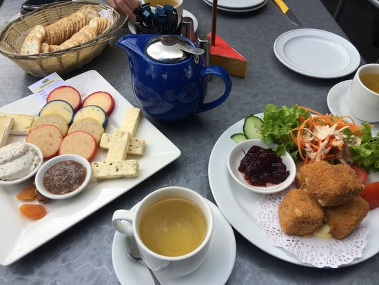 Maleny Cheese: Morning tea at the cheese factory - the above cost about $40 in total :)