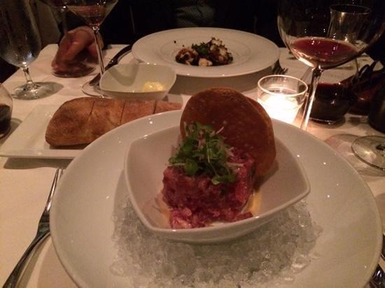 Sorellina: raw tuna starter