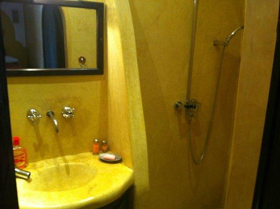 Riad Dar Lyna: Salle de bains