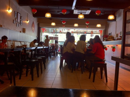 Kopi Ping Cafe: Breakfast crowd