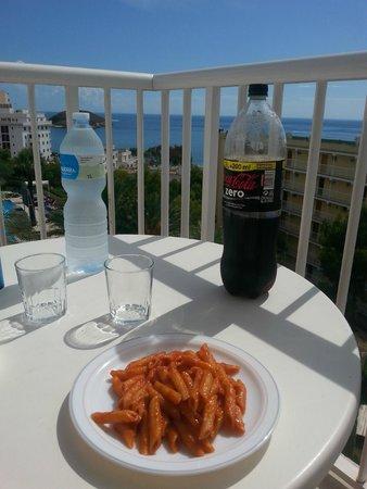 Vistasol Hotel & Apartamentos: pranzo con vista mare