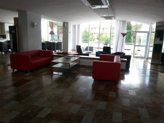 Vistasol Hotel & Apartamentos: la hall