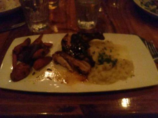 Dukes Malibu: Delicious jidori chicken