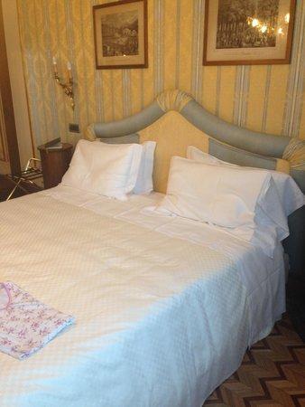 Due Torri Hotel : Bed room