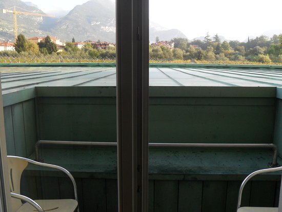 Villa Nicolli Romantic Resort: not a balcony with a view unless you stand on a stool!