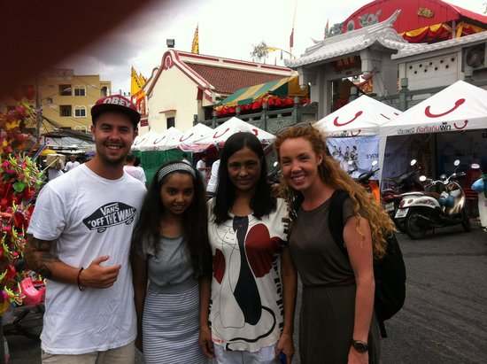 Beehive Phuket Old Town: Us with Betty and her mum