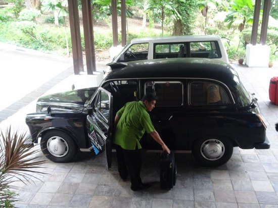Kampung Tok Senik Resort Langkawi: The cars that ferry you around the property with the helpful driver