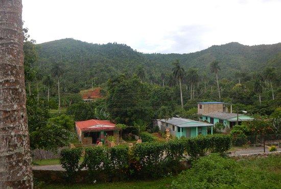 Soroa, Cuba: Vista de la villa de Papito