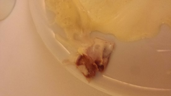 Templo Da Carne Marcos Bassi: Plastico na sobremesa