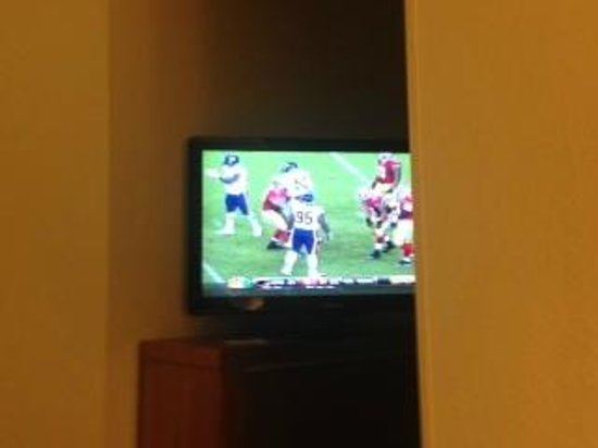 SpringHill Suites Sarasota Bradenton : TV View from Bed in End Room