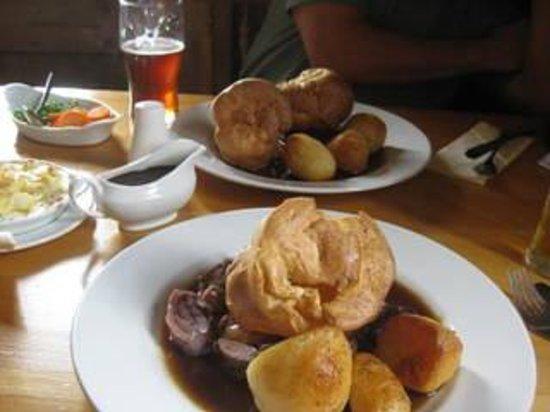 Rydon Inn : Sunday Roast (Large 8 Pounds 95)