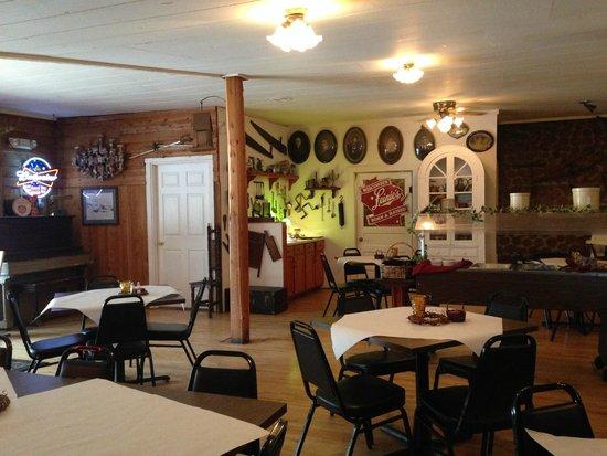 Nelsen's Hall: Restaurant view 2
