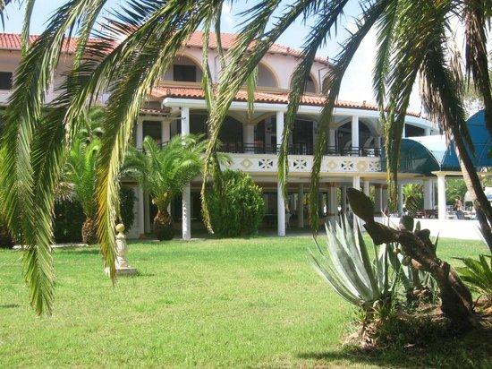 Attika Beach Hotel: restaurace