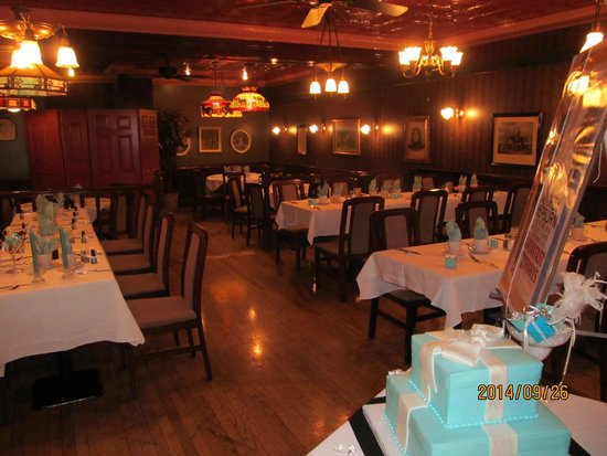 Warm And Inviting Picture Of Lillians Restaurant Saratoga