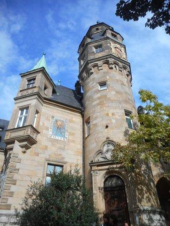 Liebieghaus : Torre e relógio de sol