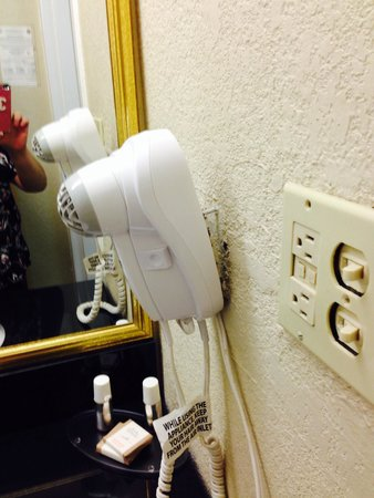 Altamonte Hotel and Suites: Hair dryer
