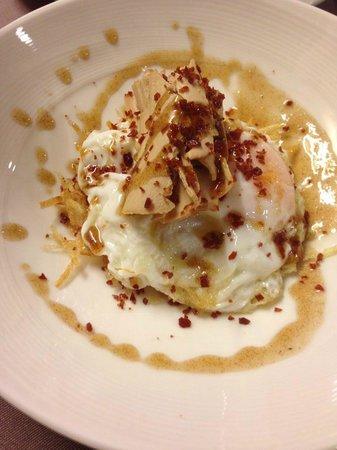 l'àlzumar restaurant: uevo frito con patatas y foei
