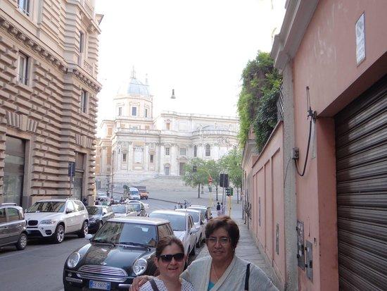 Hotel Commodore Roma: enfrente del hotel