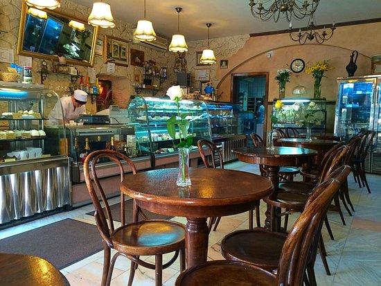 Cofetarie La Vatra Ardealului: Interior
