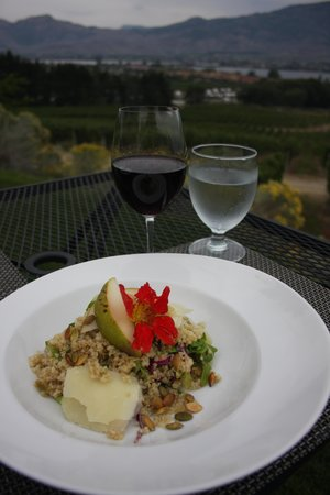 Talon's Restaurant at Spirit Ridge: Lunch with a view!