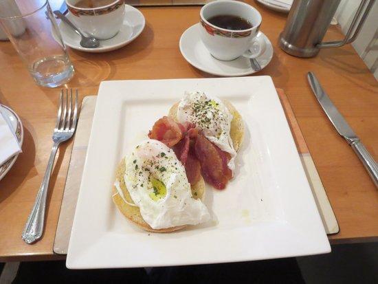 Herriot's Guest Accommodation: Breakfast
