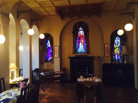 The Convent: Fabulous breakfast room it was the old nuns chapel