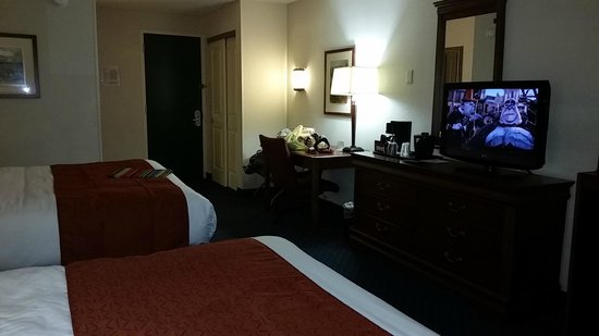 Country Inn & Suites by Radisson, Fredericksburg South (I-95), VA : spacious