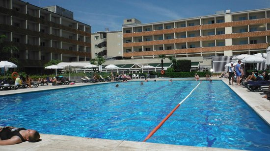 Piscina do hotel picture of crowne plaza rome st for Hotel piscina roma