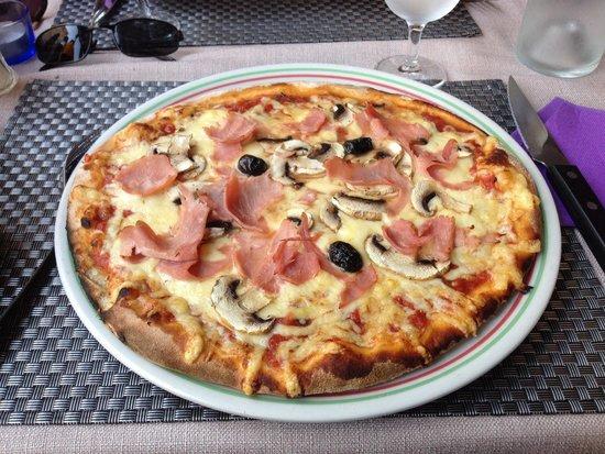 Le burger picture of pizzeria lou paradou salon de for Pata pizza salon de provence