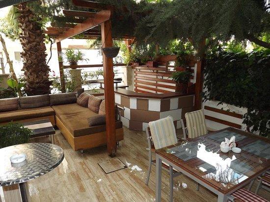 Beyaz Melek Hotel: Garten bereich