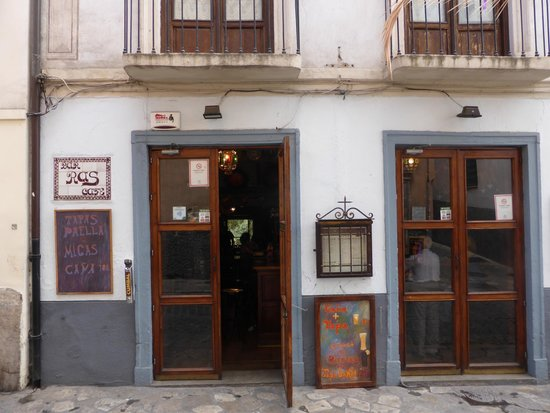 Ras Bar: Front of cafe