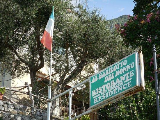 Al Barilotto Del Nonno: Sign outside the hotel