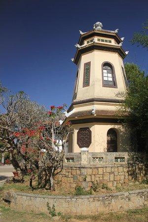 Linh Son Pagoda : Снаружи пагоды