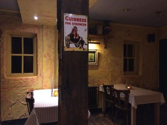The Curragower Bar & Restaurant: Back dining room