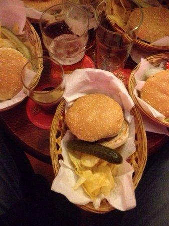 O.K. Sarria: Hamburguesas con los amigos