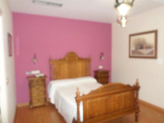 Hotel Sercotel Dona Carmela : camera da letto