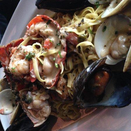 City Hall : Mediterranean Seafood Pasta