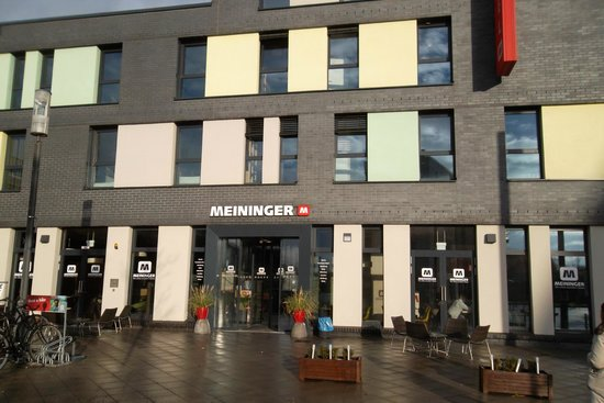 MEININGER Hotel Frankfurt/Main Messe: Main entrance