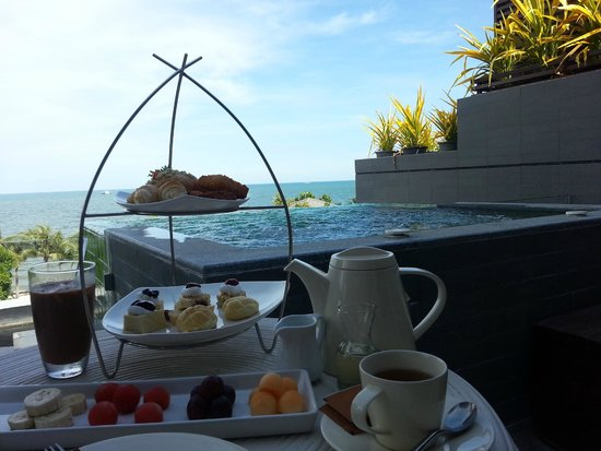 Rest Detail Hotel Hua Hin : tea time at balcony