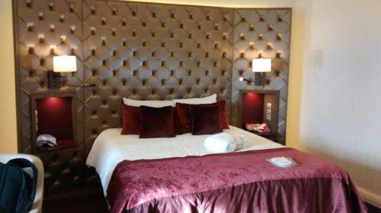 Mercure Moscow Paveletskaya: Privilege room bed