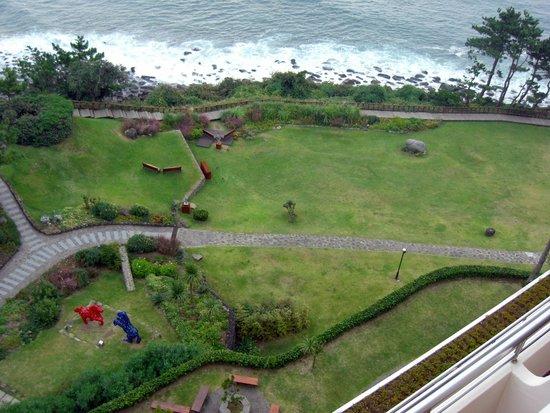 Hyatt Regency Jeju: Hotel grounds