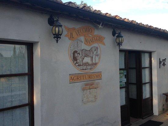 Agriturismo Il Vecchio Maneggio: Entrée des artistes...