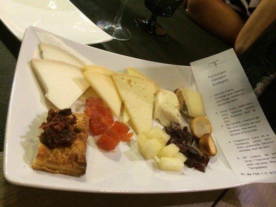 Llevataps : Tabla de quesos catalanes